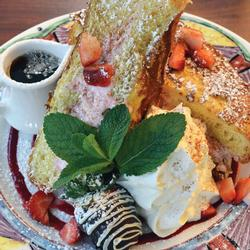 STRAWBERRY CHOCOLATE CHIP CHEESECAKE STUFFED FRENCH TOAST