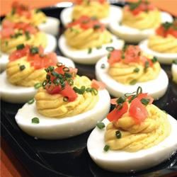 TRADITIONAL DEVILED EGGS PLATTER (12)